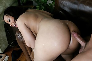 Free Cum on MILF Ass Porn Pictures