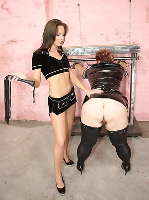 Free MILF BDSM Porn Pictures